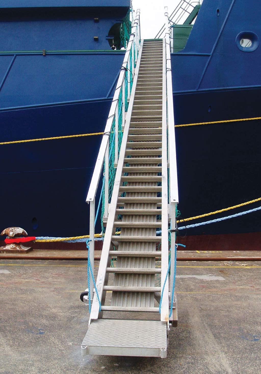 Accommodation Ladders - Curved Step or Self-Levelling Tread